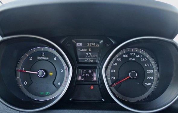 Фото Hyundai I30 (2012 - 2016) поколение II - Приборная панель