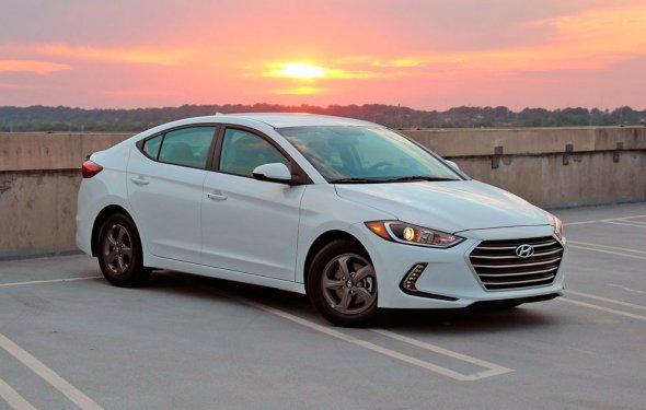 Хендай Элантра 2017: новый кузов, комплектации, цена, фото, тест